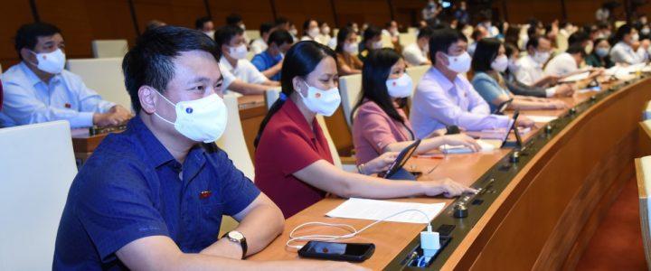 شورای ملی به مدت 3 روز جلسه را کوتاه کرد و تمام روز یکشنبه برای مبارزه با اپیدمی تلاش کرد